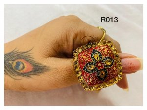 Ethnic design ring